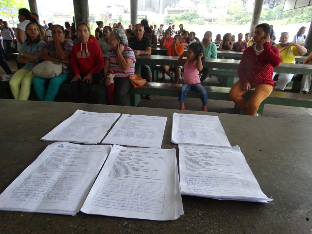 Um abaixo assinado com mais de 300 assinaturas será entregue na Secretaria Regional de Ensino em Nova Era
