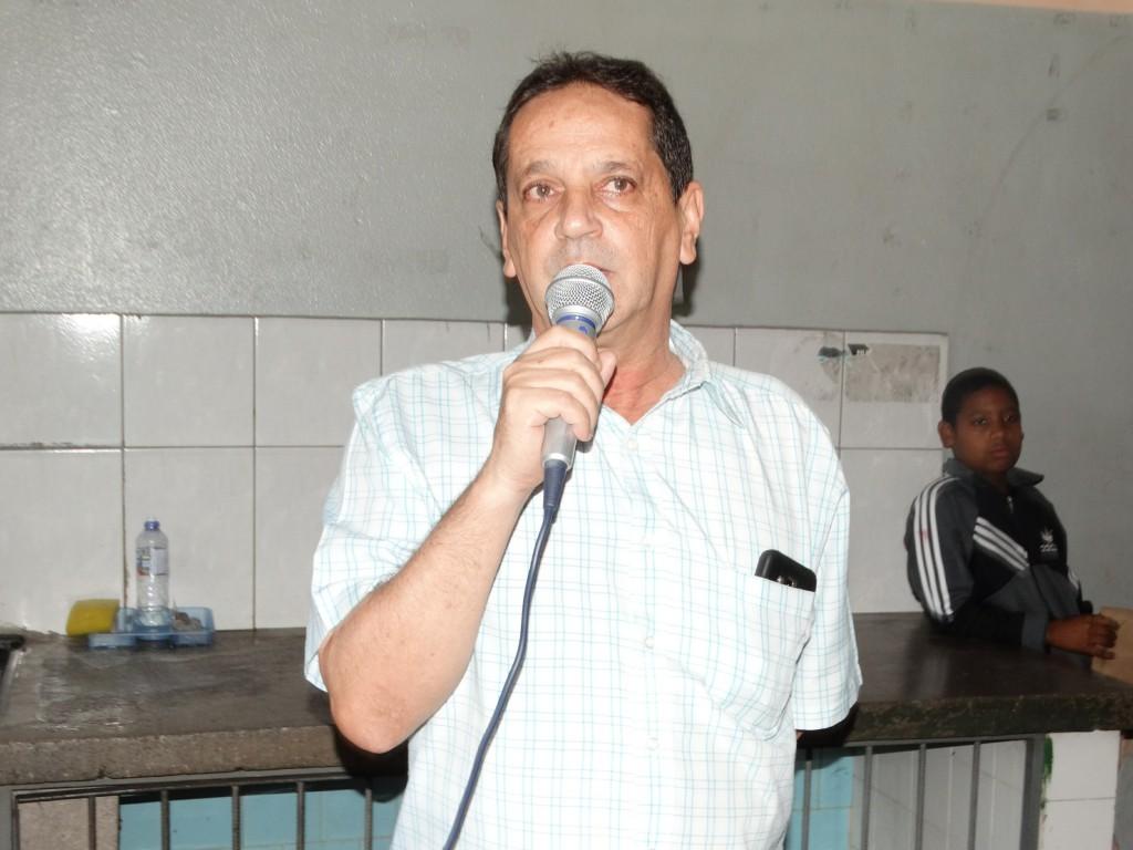 O porta-voz da notícia foi o inspetor de ensino Eduardo Antônio Marques, da Secretaria Regional de Ensino (SRE), de Nova Era