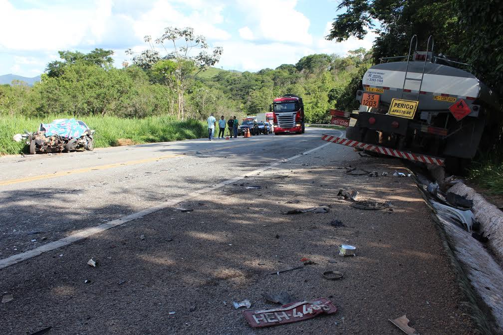 A rodovia foi completamente interditada para os trabalhos da perícia técnica da Polícia Civil de Itabira; Thales Benício